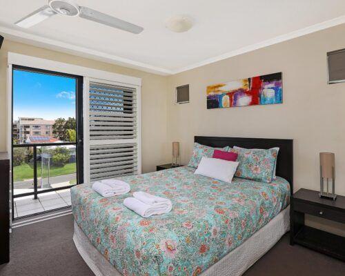 queensland-kings-beach-3-bedroom-ocean-view (15)