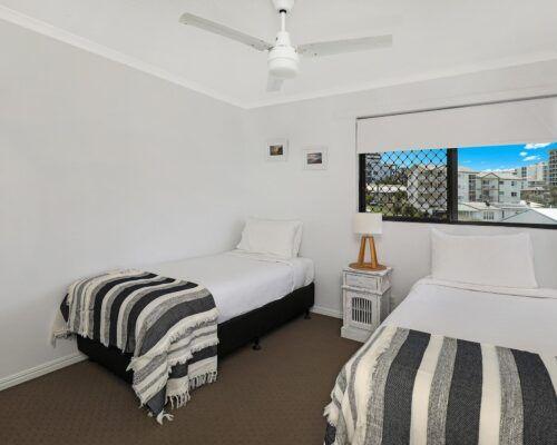 queensland-kings-beach-3-bedroom-ocean-view (2)