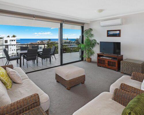 queensland-kings-beach-3-bedroom-suite (12)