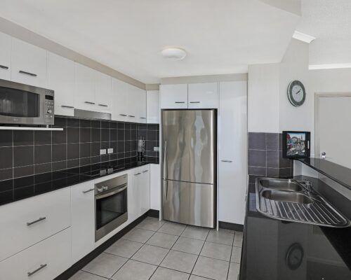 queensland-kings-beach-3-bedroom-suite (13)
