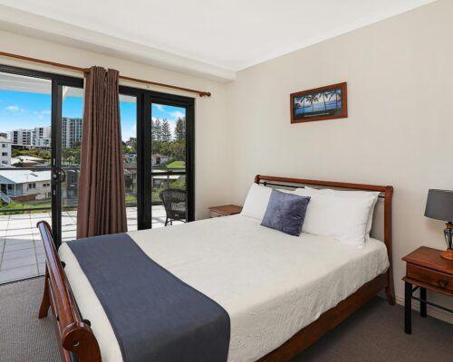 queensland-kings-beach-3-bedroom-suite (18)