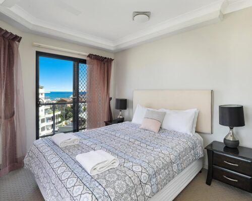 queensland-kings-beach-3-bedroom-suite (3)