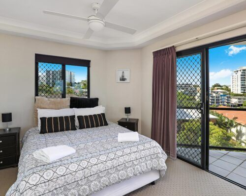 queensland-kings-beach-3-bedroom-suite (8)